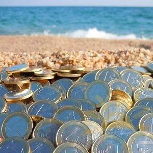 деньги на пляже