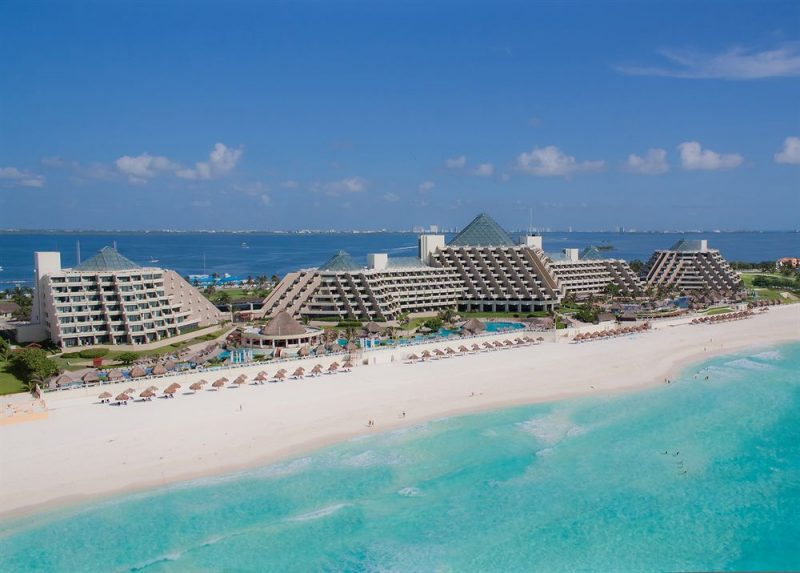 Пляжная зона в Канкуне