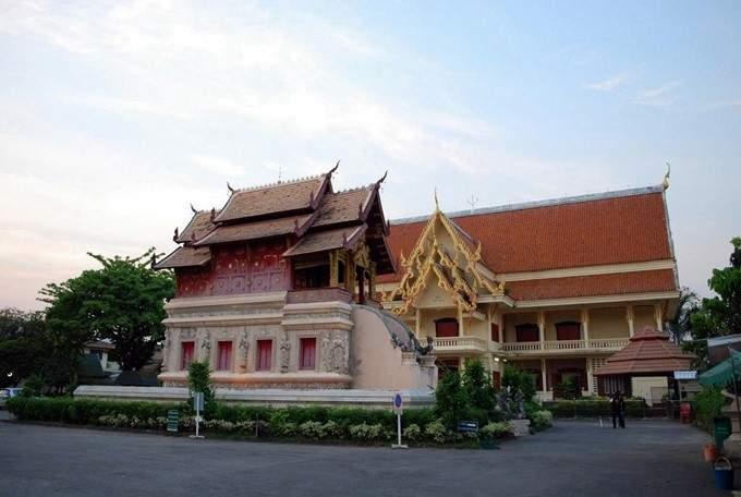 New side wihaan - Wat Phra Singh