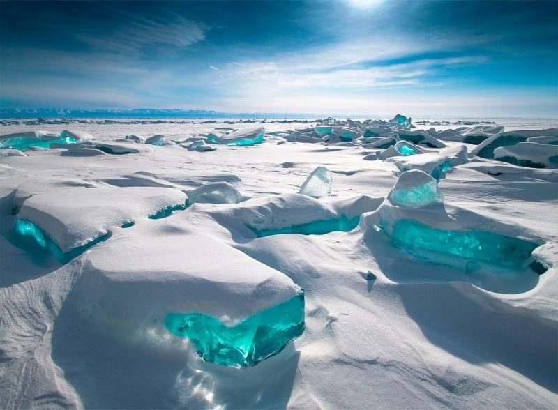Красивые льды озера Байкал