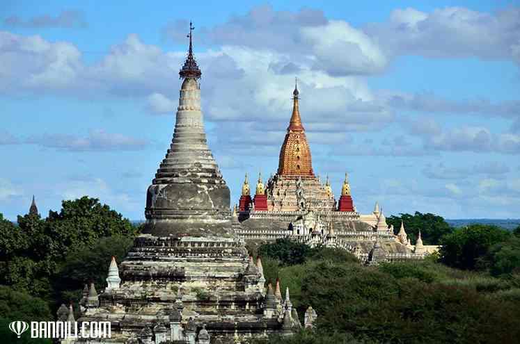 Вид на храм Ананда, Баган