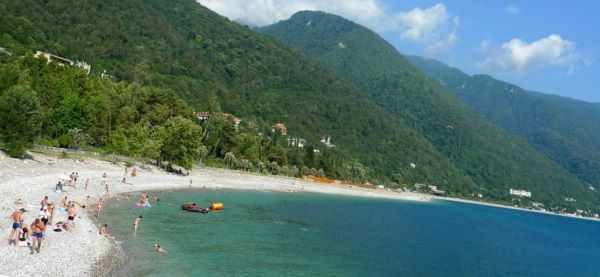 Пляжи Абхазии  - самые чистые на Черном море