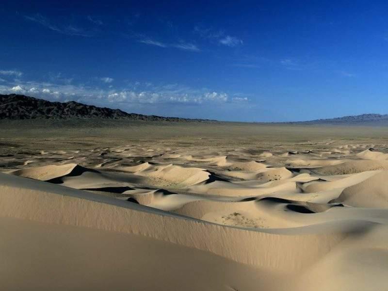 Потрясающие пейзажи Монголии фото