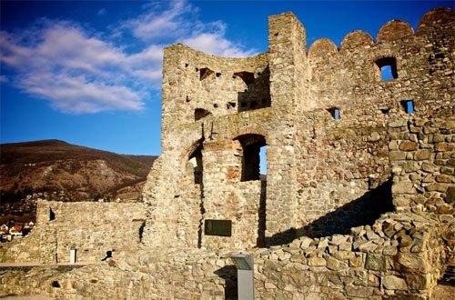 Развалины крепости Девин