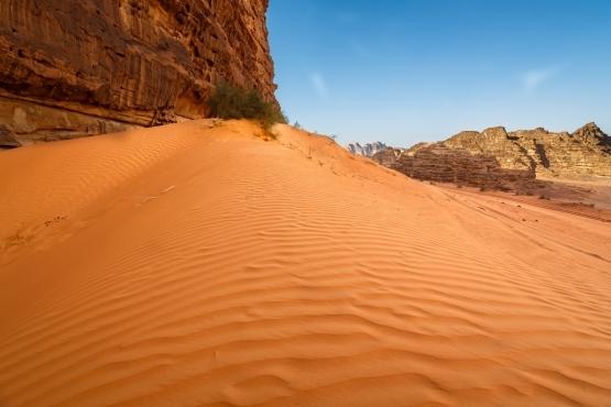 Раскаленные пески пустыни Вади Рум
