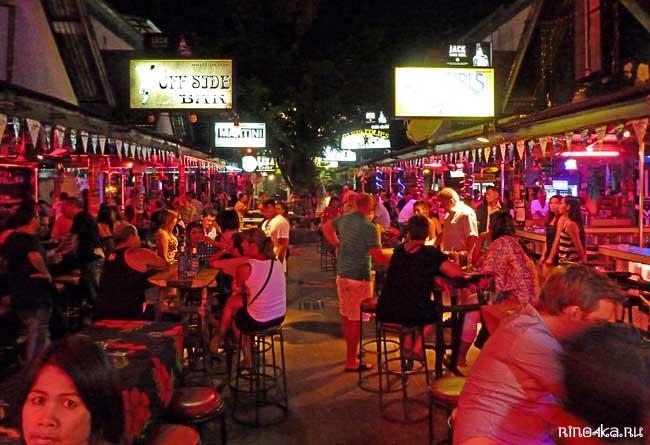 Ночная жизнь Таиланда, дискотеки Пхукета, Бангла роад, Bangla road, Patong, nigth life in Patong, disco Phuket, клубы острова Пхукет, бары, гоу-гоу, пуси-шоу, пинг понг шоу, тайские морковки