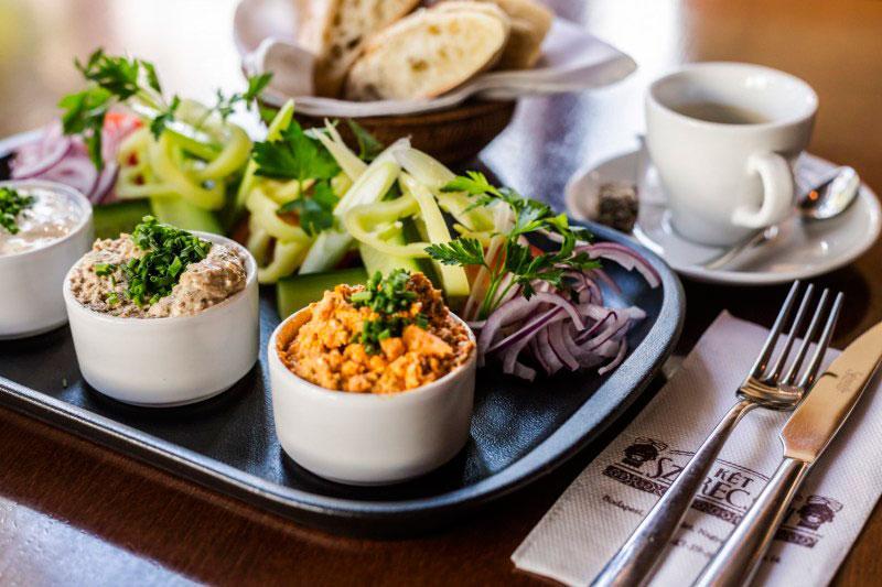 Где перекусить в Будапеште: закусочная Ket Szerecsen
