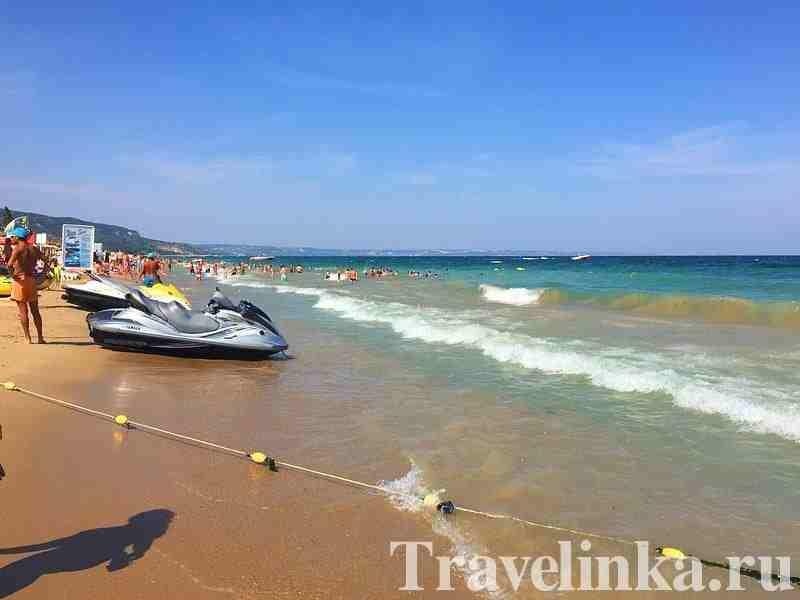 пляжи в Золотых Песках