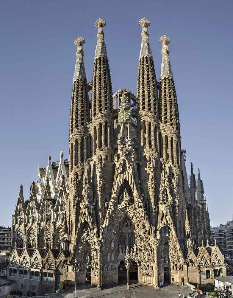Sagrada Família. Façana del Naixement (cropped)
