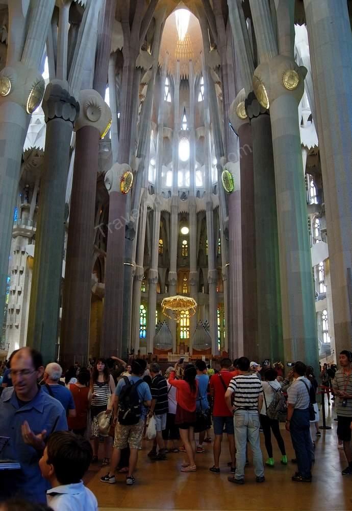 Собор Саграда Фамилия фото внутри