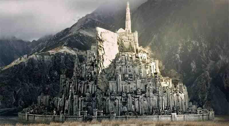 Крепость Минас Тирит («Башня Стражи») в трилогии Джона Рональда Руэла Толкина «Властелин Колец»
