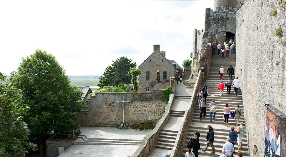 Большая лестница Grand Degree, ведущая к воротам аббатства