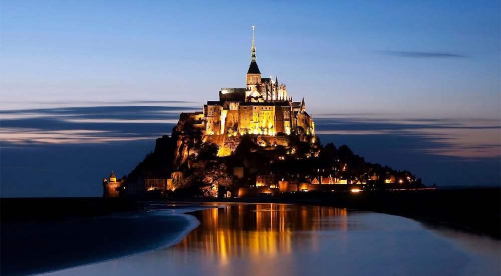 Ночное освещение острова-крепости