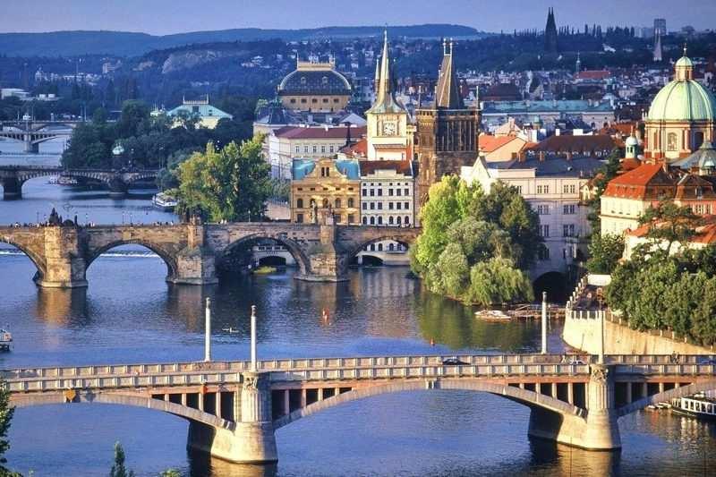 многочисленные мосты в Чехии